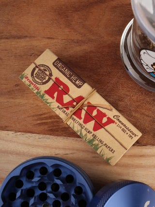 RAW Organic 1 1/4 Papers w- Tip
